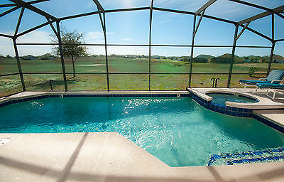 1113 Deluxe 5 bed 3.5 bath home with pool and spa in gated community Florida