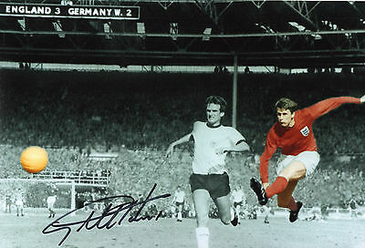 Signed Geoff Hurst 12x8 England world cup 1966 photo