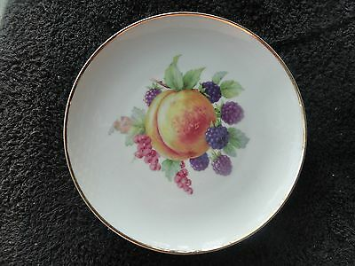Hutschenreuther Peach Blackberries Red Grapes Leaves Gold Trim White Salad Plate