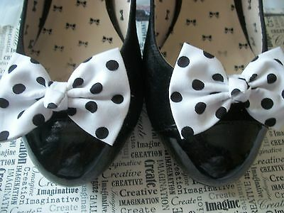 PAIR WHITE BLACK POLKA DOT SPOT COTTON FABRIC BOW SHOE CLIPS 50s VINTAGE STYLE