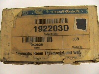 Landis Gyr 192203D Pneumatic Thermostat & Wall Plate
