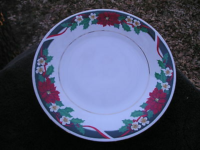 Tienshan Deck The Halls Green Rim Red Ribbon Holly Poinsettia White Dinner Plate