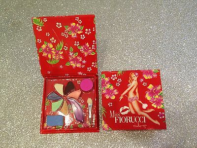 Miss Fiorucci Coffret 9 Fards A Paupieres Gloss Et Blush+Double Applicateur