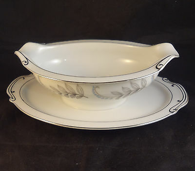 ARK CREST BLUE BELL GRAVY BOAT with attached UNDERPLATE Japan White