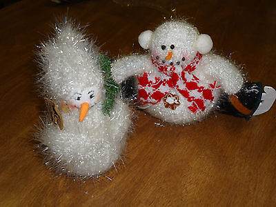2 adorable sparkling Winter Snowman Christmas Figurines Decorations Ice Skating