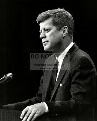 PRESIDENT JOHN F 8X10 PHOTO AA-819 KENNEDY DURING FIRST PRESS CONFERENCE