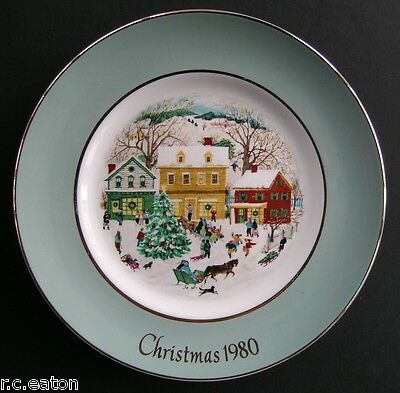 Avon Collector Plate  - Christmas 1980 - Country Christmas - Wedgwood -