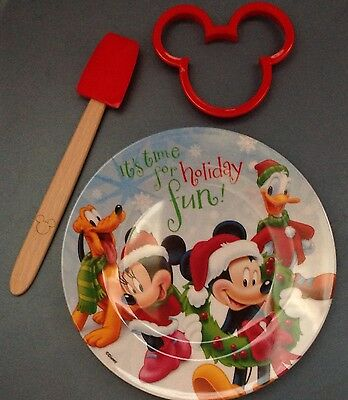 NEW Disney Mickey Minnie Mouse Cookie Cutter Kit Christmas Plate Cooking Set