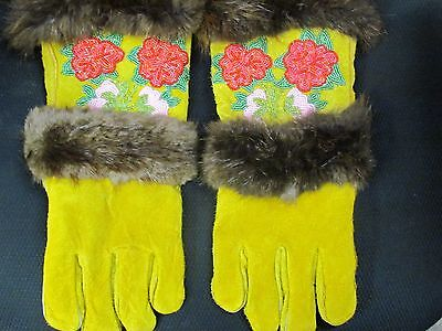 COZY WARM, BEADED HOME TANNED LEATHER GLOVES AWESOME BEADED FLOWER  FUR TRIM