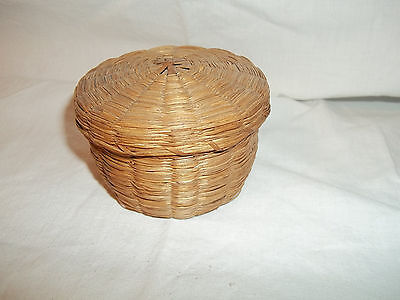 Vintage or Antique Sweetgrass Sewing Notion Basket with Lid Nice!