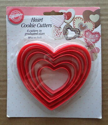 Vintage 1993 Wilton VALENTINE DAY Cookie Cutters HEARTS Lot of 6 graduated sizes