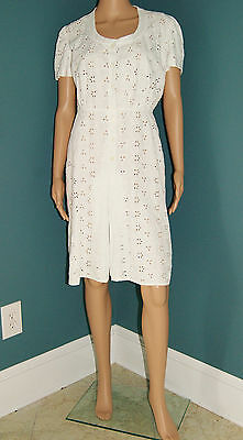 Vintage 30's 40's White Eyelet Day Dress W/ Mother of Pearl Buttons Size 6/8