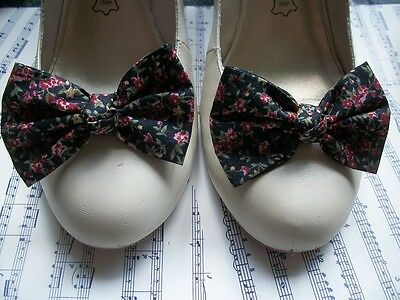 New Pair Black Ditzy Floral Cotton Fabric Shoe Bow Clips Vintage Style Handmade