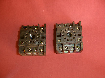 2 x Omron Socket PF113A-E Relay Track-mounted Socket 11 contact Through Hole NEW