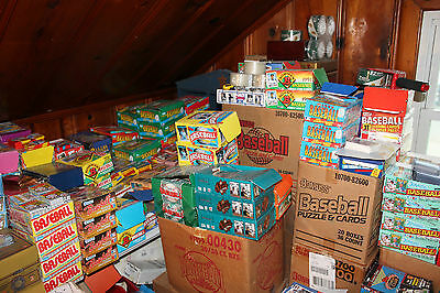 Huge lot of 300 old vintage Baseball Cards in Unopened Packs.