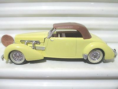 MATCHBOX Models of Yesteryear Y18 1937 CORD 812 Yew Crm Red Plum Variations