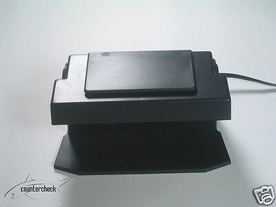 UV Light MD100 Counterfeit Money and Credit Card Detector