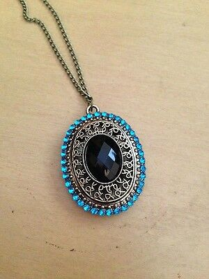 Charming Novelty Vintage Blue Jewel Pendant Necklace - Free Shipping