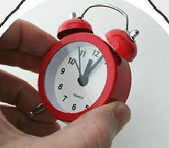 Gracioso Mini Despertador Reloj Decoracion Color Rojo 8 Cmts