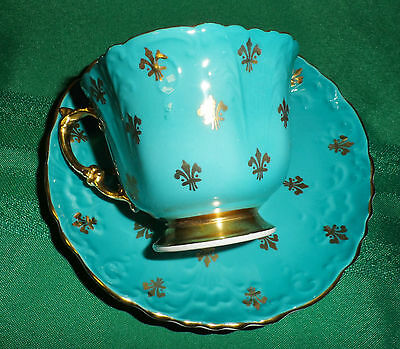 AYNSLEY ENGLAND BLUE GOLD FLEUR DE LIS TEXTURE TEA CUP AND SAUCER