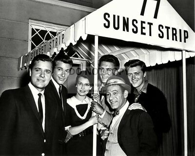 """77 Sunset Strip"" The Cast From The Tv Series - 8X10 Publicity Photo (Aa-695)"