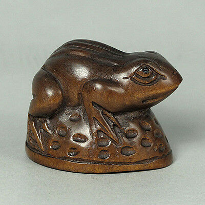 Boxwood Wood Netsuke FROG Figurine Carving (WN635)