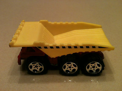 "2001 MATCHBOX DUMP TRUCK DIE CAST 3"" LONG"