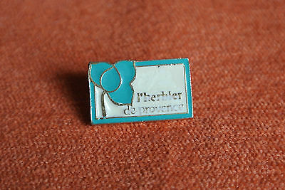 08905 Pin's Pins France Parfum Cosmetique Cosmetic L'herbier De Provence Perfume