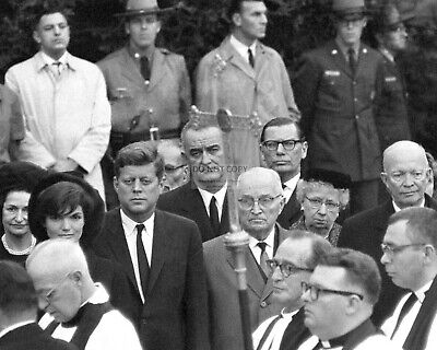 President John F. Kennedy With Truman And Eisenhower - 8X10 Photo (Aa-821)
