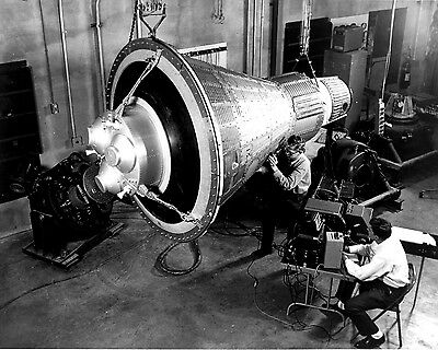 Engineers Inspect & Test A Boilerplate Mercury Space Capsule 8X10 Photo (Aa-866)