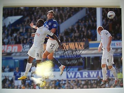 Apostolos Vellios of Everton, 12 x 8 inch photo personally signed by him.