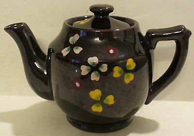 VINTAGE OCCUPIED JAPAN SMALL REDWARE TEAPOT W/PAINTED CLOVER DESIGN