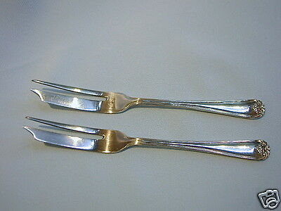 2 (PAIR) VINTAGE ANTIQUE FISH FORKS WALKER & HALL SHEFFIELD c1890 SILVERPLATE