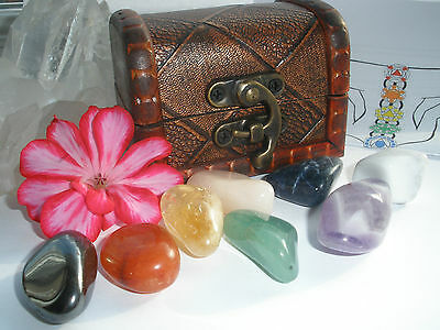 8 Piece Healing Chakra Crystals Gemstones Gift Set Boxed With  Large Stones *1*