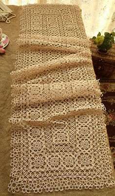 "Vtg Fine Tatted Lace Table Runner Ecru ~Wedding BRustic Chic ANTIQUE -70"" LONG"