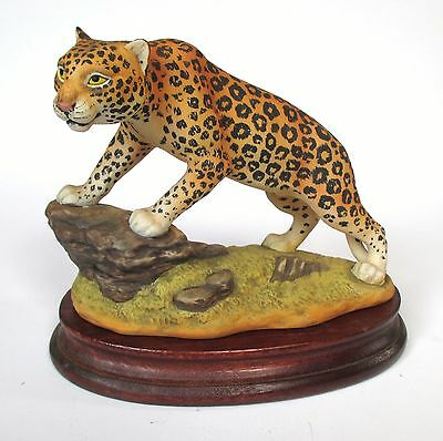 Andrea by Sadek - Leopard 6011 With Base Porcelain Figurine Mint