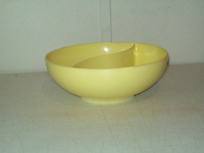 Vintage Mar-Crest Melmac Divide Dish (bowl) no. M-12 canary yellow USA Melamine
