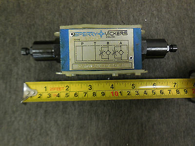 NEW SPERRY VICKERS FLOW CONTROL VALVE # DGMFN-3-Y-A2W-B2W-21