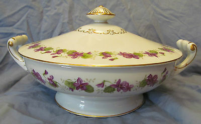 Wentworth JAPAN  Round Covered Vegetable Bowl Printemps Pattern Violets