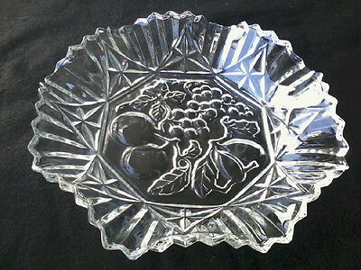 CLEAR PIONEER FEDERAL Glass Ruffled Fruits Center Candy Bowl