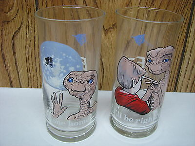 LOT OF (2) 1982 PIZZA HUT LIMITED EDITION ET GLASSES (NEW) (A)