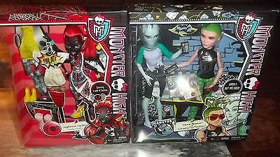 MONSTER HIGH LOT- WYDOWNA SPIDER and DUECE GORGON and GIL WEBBER- Brand new