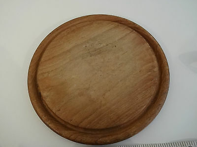 """Vintage/Retro Wooden Round Carved Bread Board - 9.75"""" - with bevelled edge"""