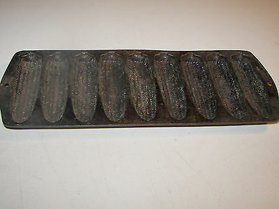 Cast Iron Vintage Corn Cobs Muffin Pan Cookware Kitchenware Cornbread Mold
