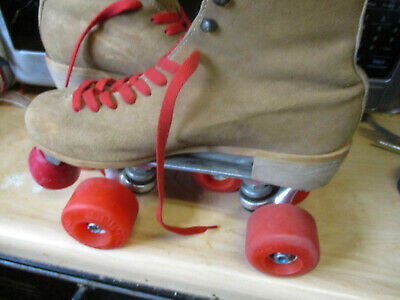 Women  Roller Skates Pink size 6-9,  heel to toe is  in. No More Rentals!!!