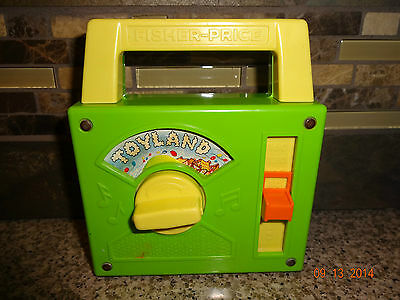 Vintage 1983 Fisher Price #795 Green TOYLAND Radio