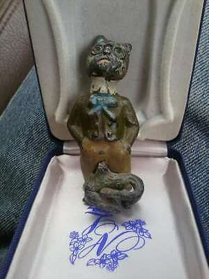ADORABLE ANTIQUE VICTORIAN LEAD FIGURE OR TOY, CAT WEARING GLASSES