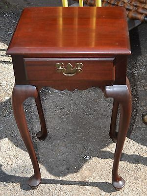 Vintage Queen Anne Solid Mahogany 1 Drawer Night Stand
