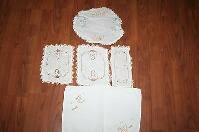 Lot Of Vintage Doilies, Embroidered Hankies, Napkins, Runners & Crocheted Items