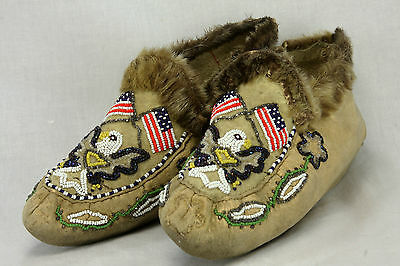 Vintage Native American Moccasins / Slippers with American Flag / Eagle beadwork